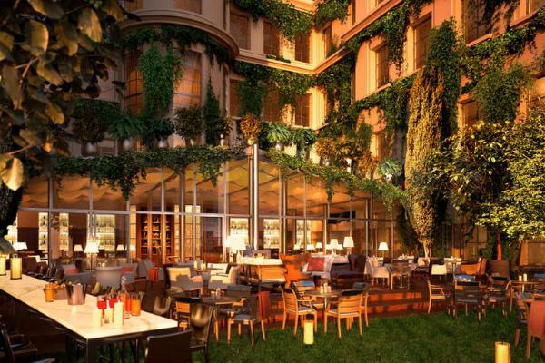 Hotel dengan fasilitas mewah